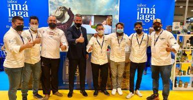 Juan Carlos Maldonado con los chefs de la Selección Andaluza de Cocina Profesional